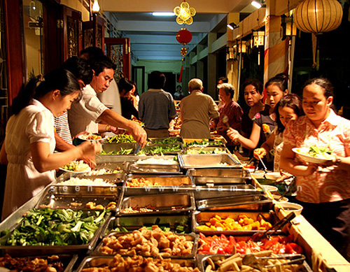 tiec-buffet-ha-noi-gia-re3