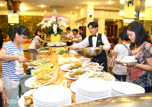 tiec-buffet-ha-noi-gia-re5